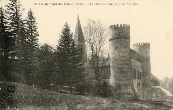 Chevinay (Rhône) : Le château, vue prise du Nord-Est
