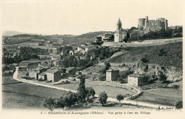 Châtillon (Rhône) : Vue prise de l'est du village