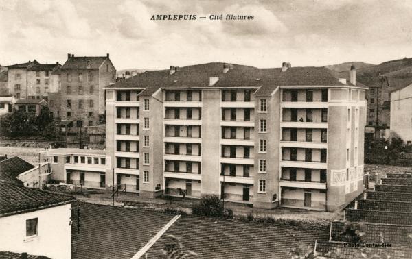 Amplepuis (Rhône) : Cité filatures