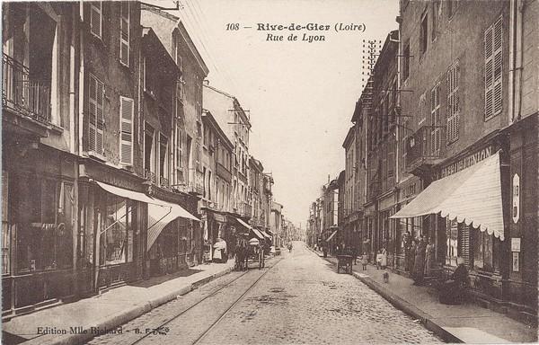 Rive-de-Gier (Loire) : Rue de Lyon