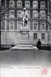 Lyon : Statue de Bernard de Jussieu