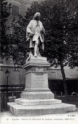 Lyon : Statue de Bernard de Jussieu ; botaniste (1699-1777)