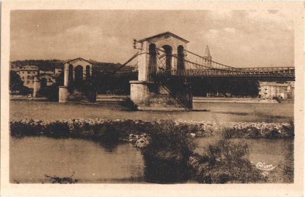 Bourg-Saint-Andéol (Ardèche) : Le Pont