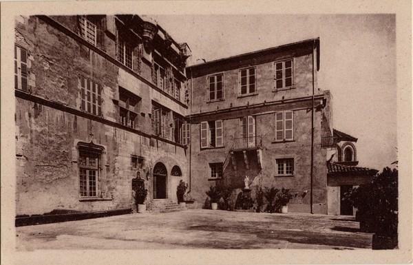 Bourg-Saint-Andéol (Ardèche) : Ecole Saint-Michel
