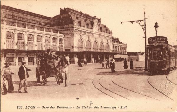 photographes en rh ne alpes lyon gare des brotteaux la station des tramways. Black Bedroom Furniture Sets. Home Design Ideas