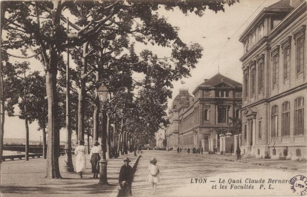 Lyon : Le Quai Claude Bernard et les Facultés.