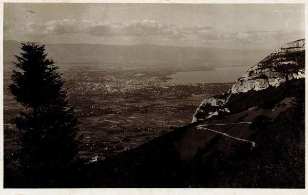 Le Salève : Route de la Croisette et vue sur Genève