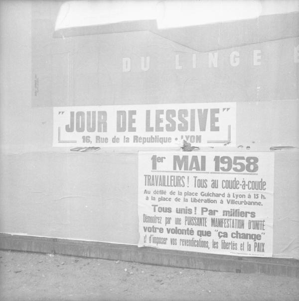 [Superposition d'affiches :Jour de Lessive... 1er mai 1958]