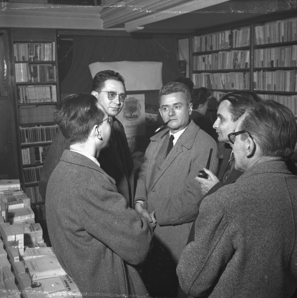 [Régis Neyret, André Mure, Tharmac (?), Antoine Demilly et Jean Reverzy (Librairie Laproue)]