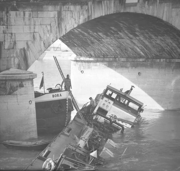 Accidents de Péniche : Pont du Change (Saône)