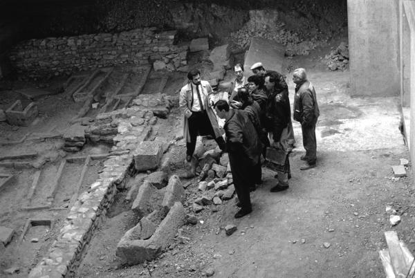 [Visite du chantier de fouilles de la basilique funéraire Saint-Laurent-de-Choulans]