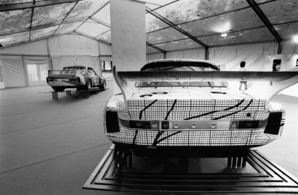[Exposition Art-Cars au Parc de Lacroix-Laval]