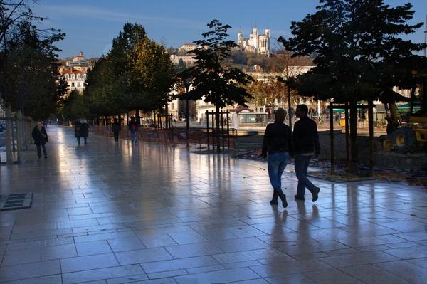 Promeneurs Place Bellecour