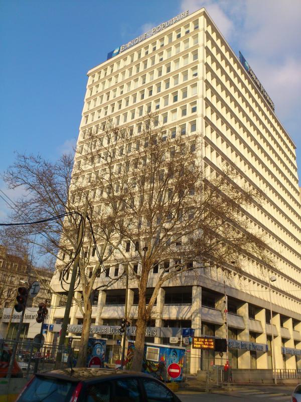 [L'immeuble de la banque populaire Loire et Lyonnais]