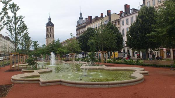 Une fontaine Place Bellecour