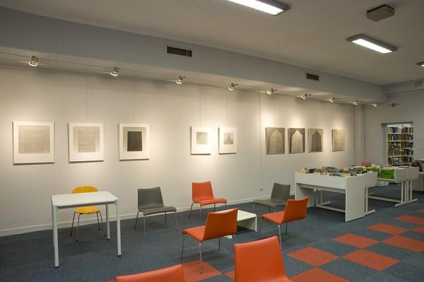 """[Exposition """"Yannig Hédel"""" à la bibliothèque du 3e arrondissement]"""