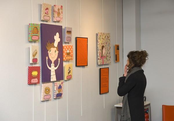 """[Exposition """"Les Petites Gourmandises"""" à la bibliothèque du 3e arrondissement]"""