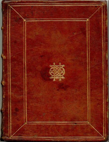 Un des ouvrages en marocain rouge avec le monogramme de Peiresc.