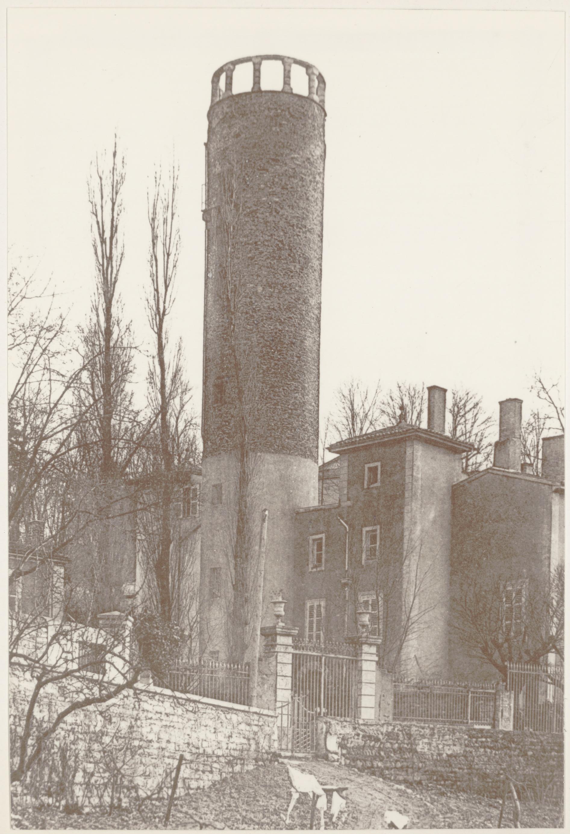Photographes en rh ne alpes la tour de la belle allemande au d but du xxe s - Debut du 20eme siecle ...
