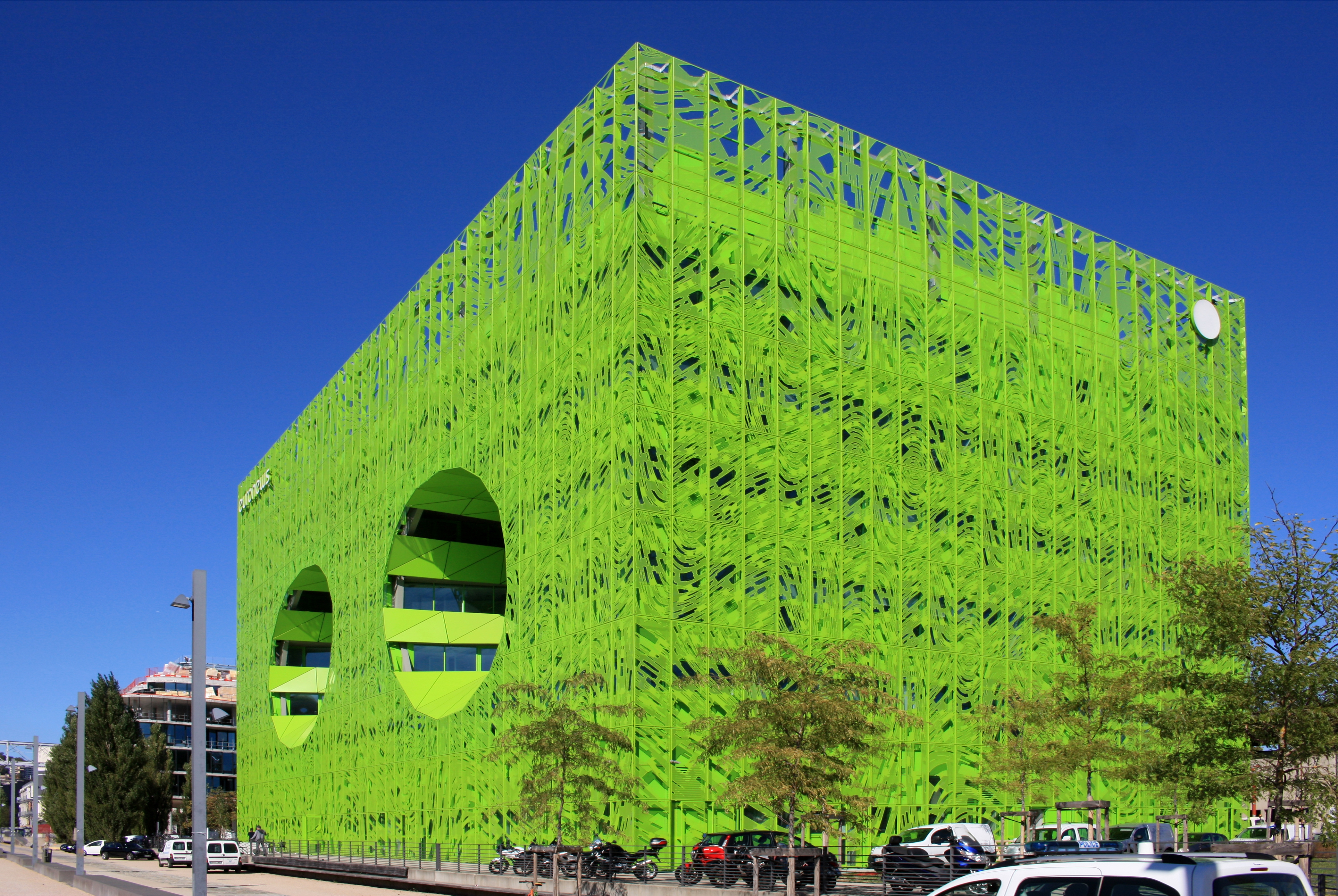 photographes en rh ne alpes le cube vert architectes jakob macfarlane. Black Bedroom Furniture Sets. Home Design Ideas