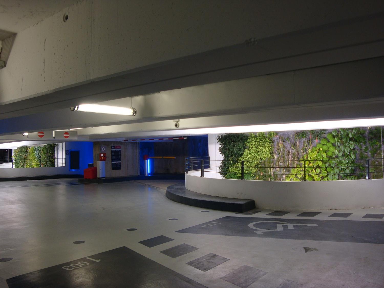 photographes en rh ne alpes mur v g tal du parking souterrain de perrache. Black Bedroom Furniture Sets. Home Design Ideas